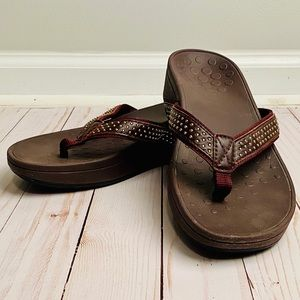{ VIONIC } Sandals : excellent arch support